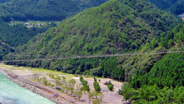 6 suspension bridges to see the wild nature of Japan
